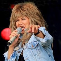 Tina-Turner-Imitator-boeken
