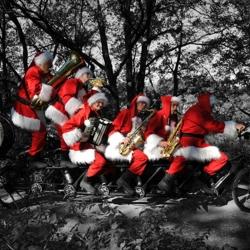 Kerstmannen-Fiets-Orkest-boeken