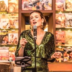 Italiaanse-zangeres-Caterina-boeken