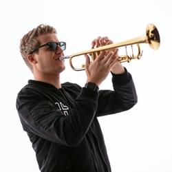 q on trumpet boeken